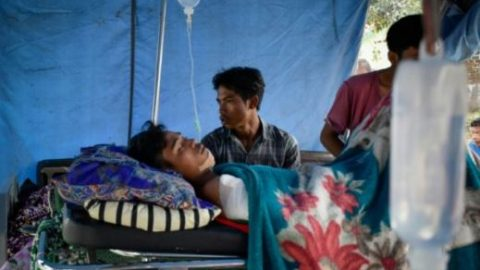 Deadly Indonesian Earthquake Sees Over 500 People Missing